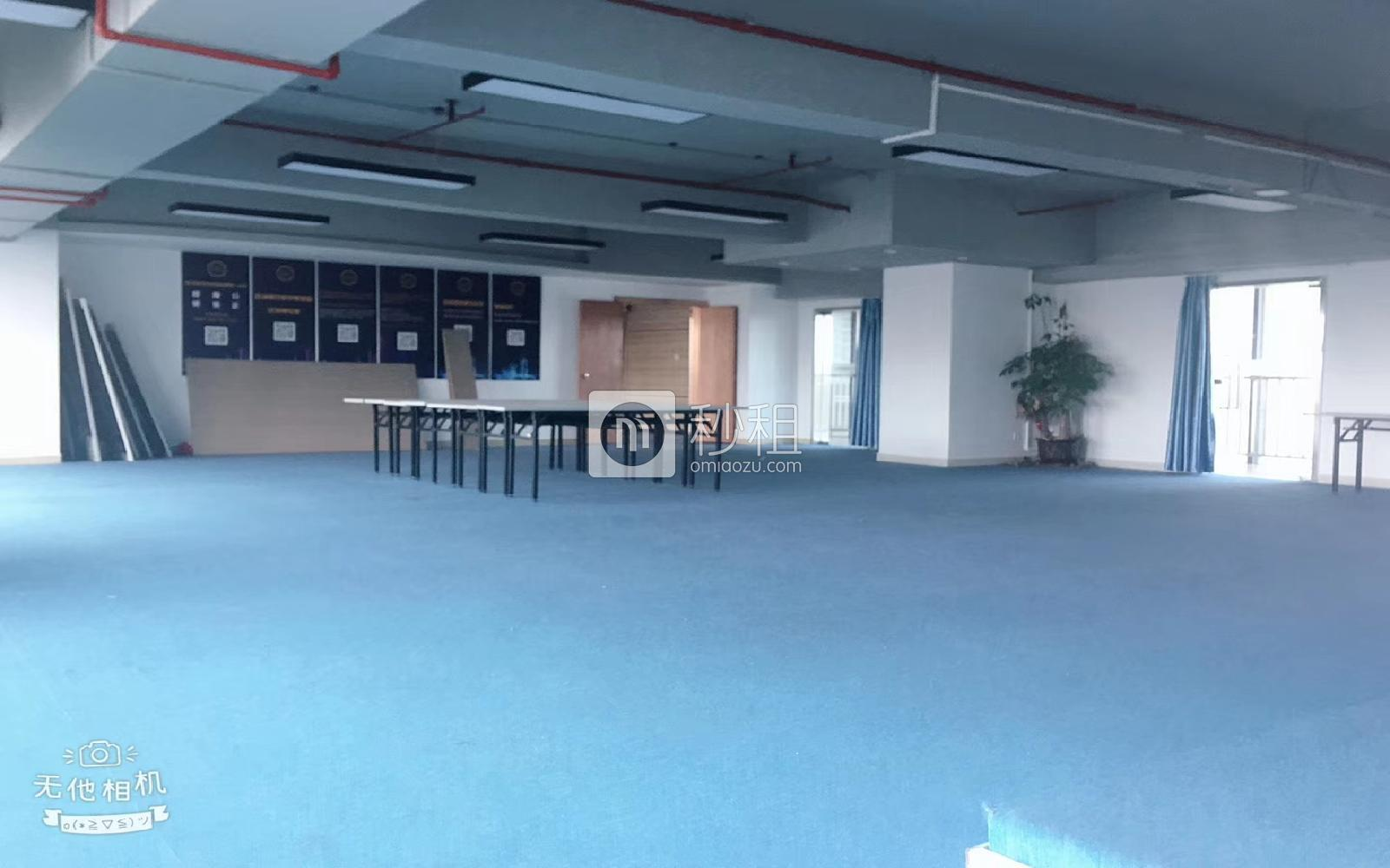 横岗大厦写字楼出租366平米精装办公室69元/m².月