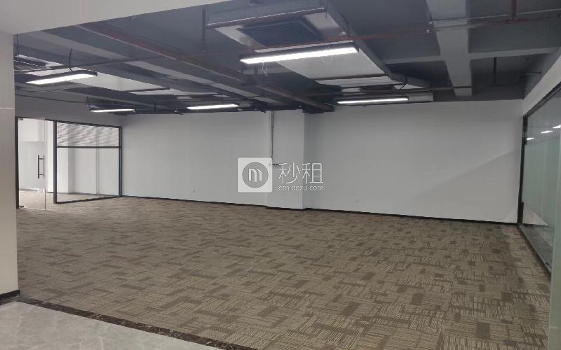 新能源大厦写字楼出租265平米精装办公室65元/m².月