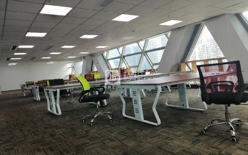 创业投资大厦写字楼出租575平米精装办公室105元/m².月