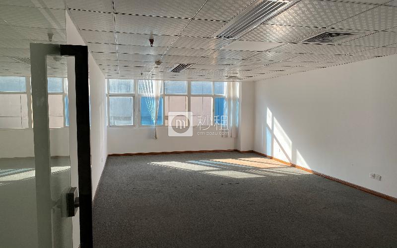 华瀚科技大厦写字楼出租212.9平米精装办公室85元/m².月