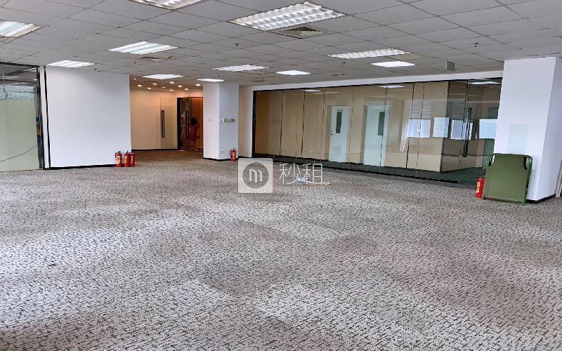 国人通信大厦写字楼出租487.8平米精装办公室75元/m².月