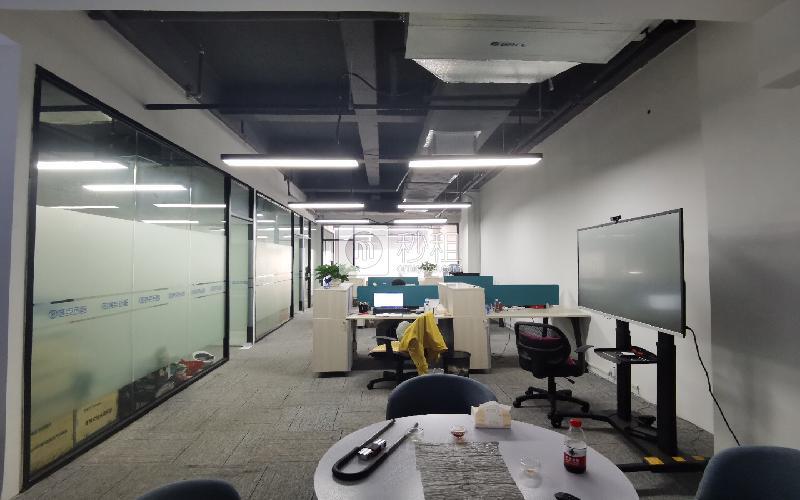 蛇口网谷-科技大厦写字楼出租290平米精装办公室78元/m².月