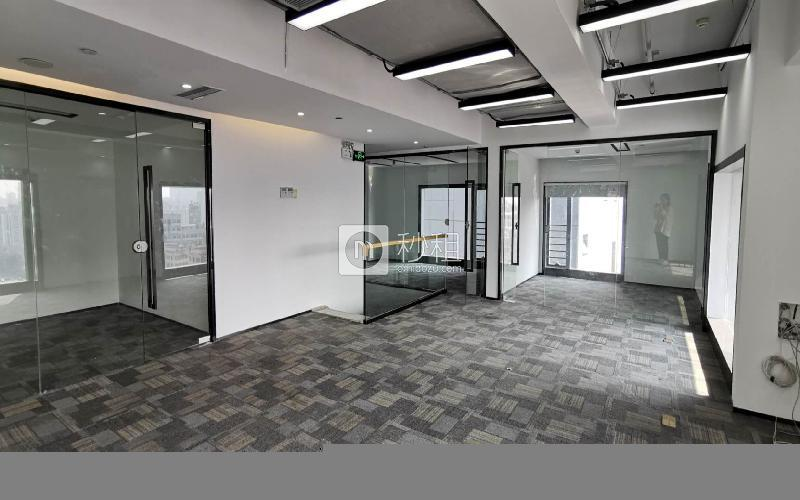 满京华·SOHO艺峦大厦米6体育下载出租255平米精装办公室55元/m².月