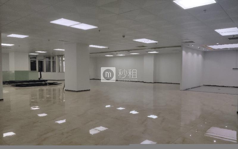 新能源大厦写字楼出租358平米简装办公室68元/m².月