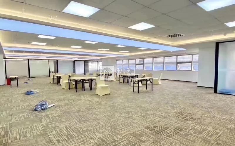 中科智宏大廈寫字樓出租826平米精裝辦公室88元/m2.月