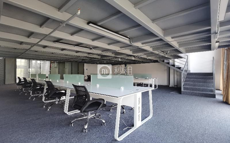 众里创业社区-御景湾写字楼出租265平米精装办公室89元/m².月