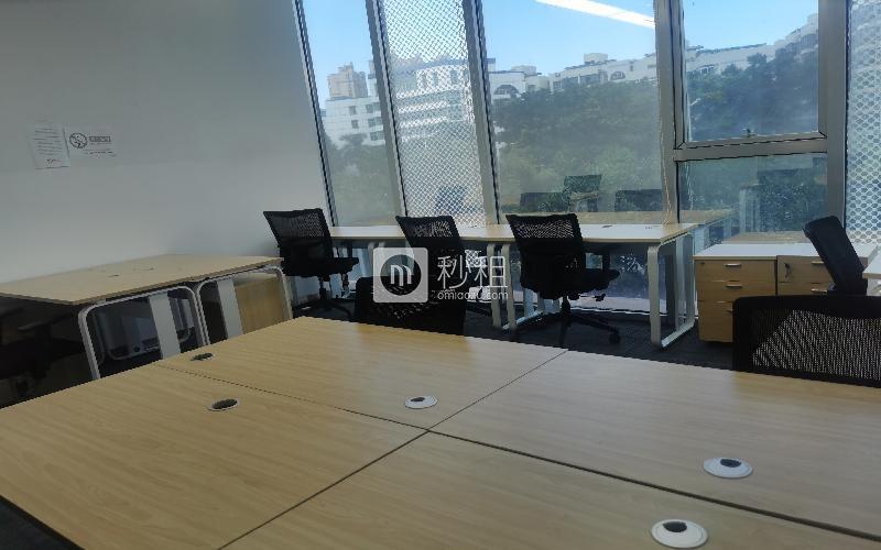 众里创业社区-御景湾写字楼出租40平米精装办公室5800元/间.月