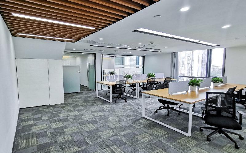 满京华·SOHO艺峦大厦写字楼出租261平米豪装办公室42元/m².月