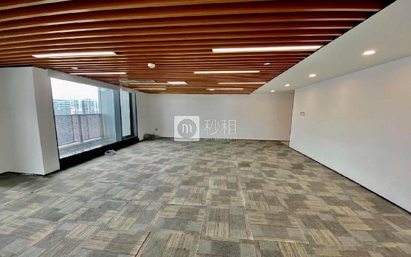 满京华·SOHO艺峦大厦米6体育下载出租213平米精装办公室73元/m².月