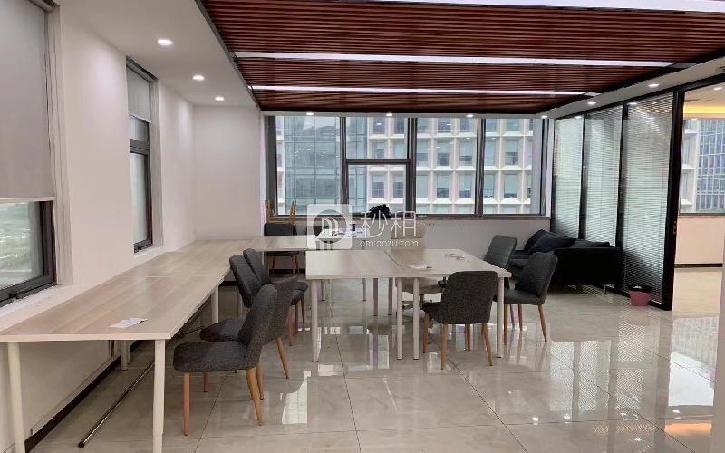软件产业基地写字楼出租256平米精装办公室68元/m².月
