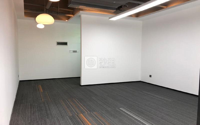 蘅芳科技大廈寫字樓出租87平米豪裝辦公室95元/m2.月