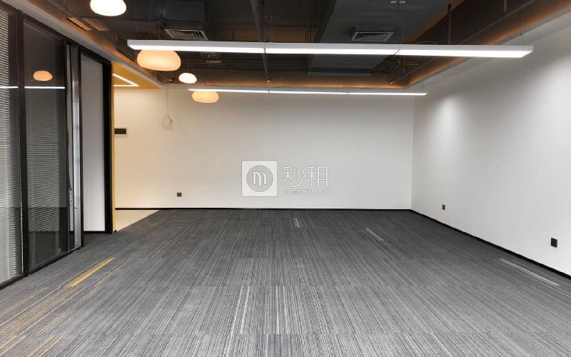 蘅芳科技大廈寫字樓出租166平米豪裝辦公室88元/m2.月
