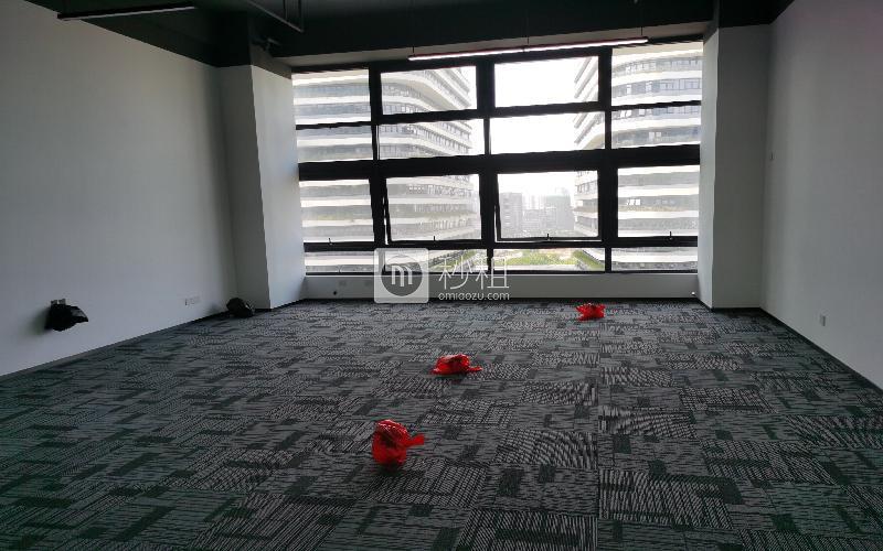华强创意公园(华强Idea Park)写字楼出租82平米精装办公室65元/m².月