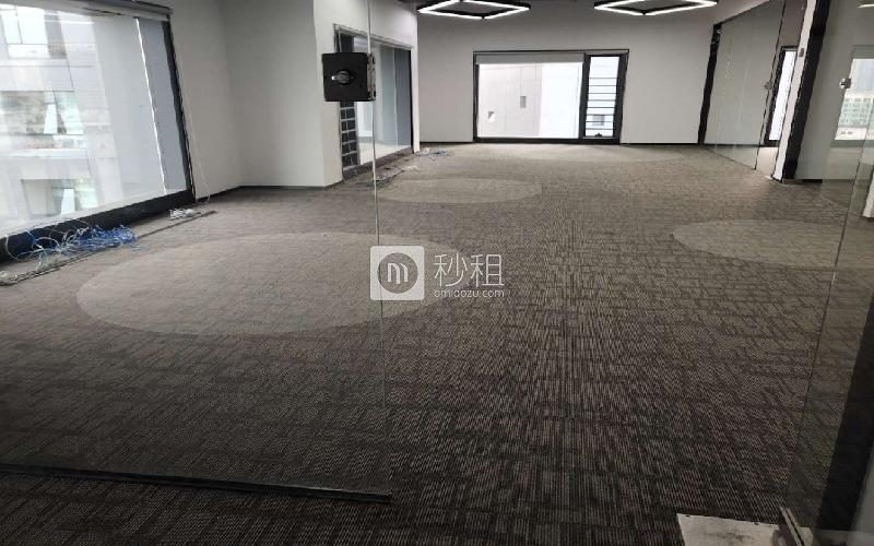 满京华·SOHO艺峦大厦写字楼出租256平米精装办公室48元/m².月