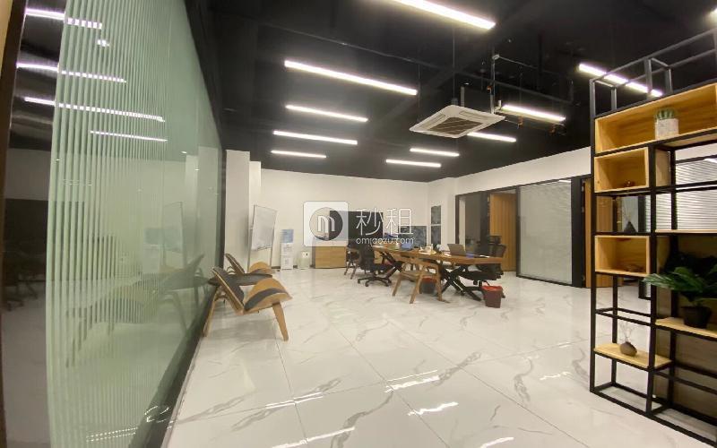 青年创业园写字楼出租159平米精装办公室70元/m².月