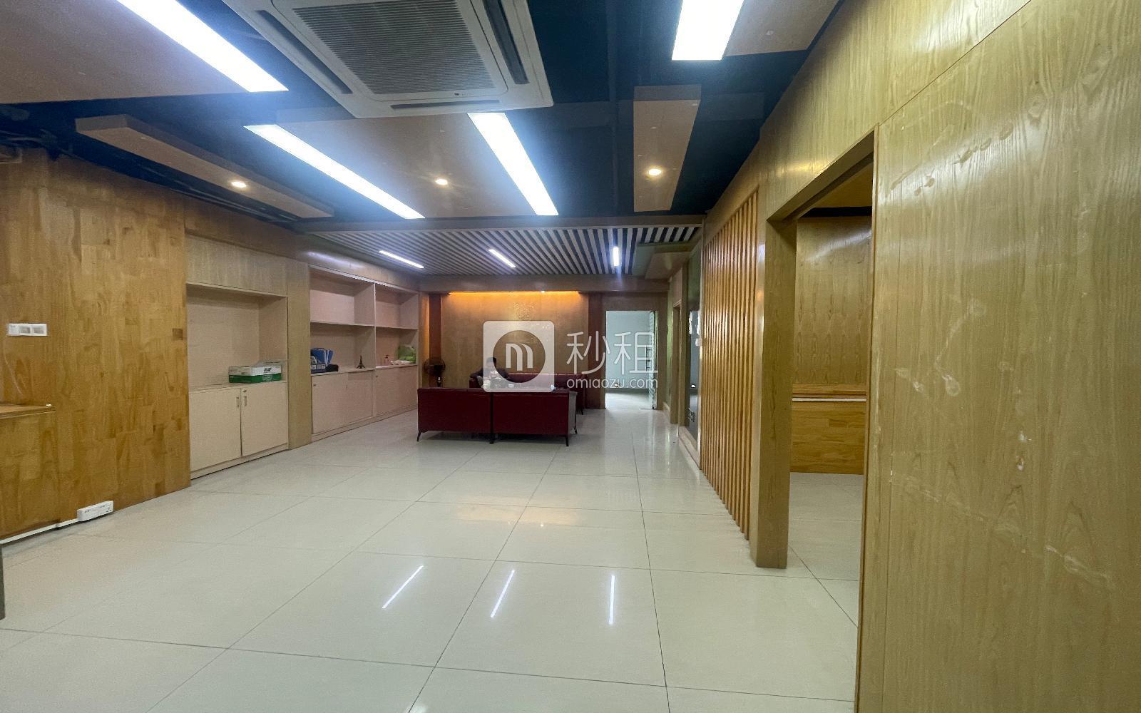 龙华-民治 嘉熙业广场 207m²