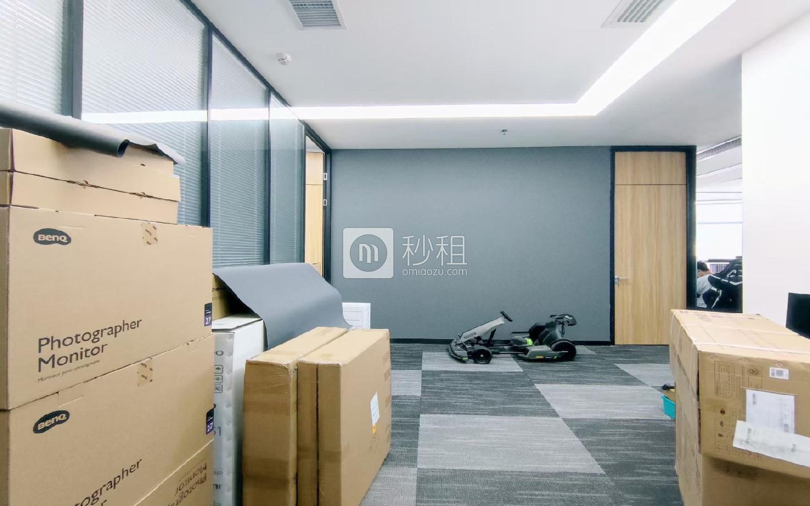 智慧广场写字楼出租375平米精装办公室88元/m².月
