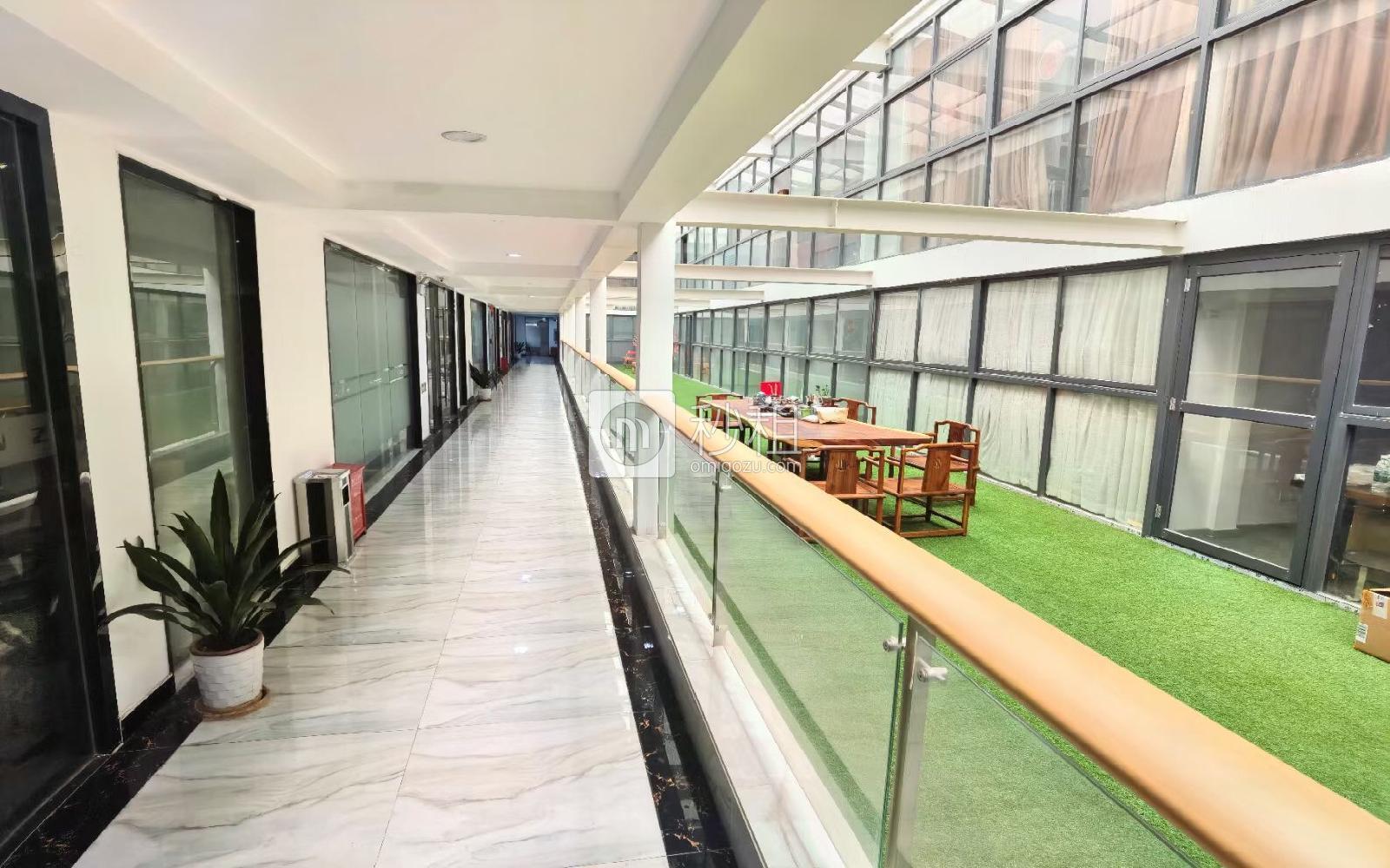 金汇球大厦写字楼出租220平米豪装办公室40元/m².月