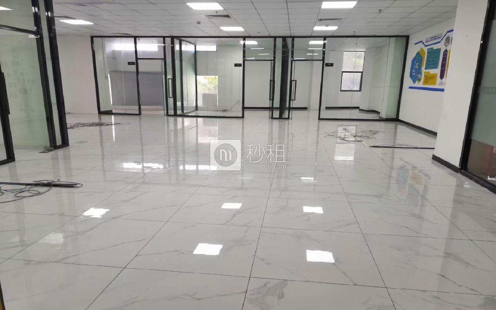 龙华-民治 港深国际中心(U创谷) 409m²
