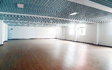 福美商务大厦写字楼出租130平米简装办公室30元/m².月