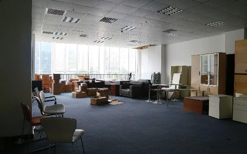 海翔广场写字楼出租486平米精装办公室135元/m².月