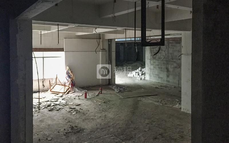 大浪时代广场写字楼出租1000平米毛坯办公室40元/m².月
