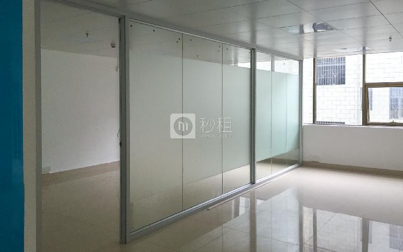 宏滔科技楼写字楼出租105平米简装办公室43元/m².月