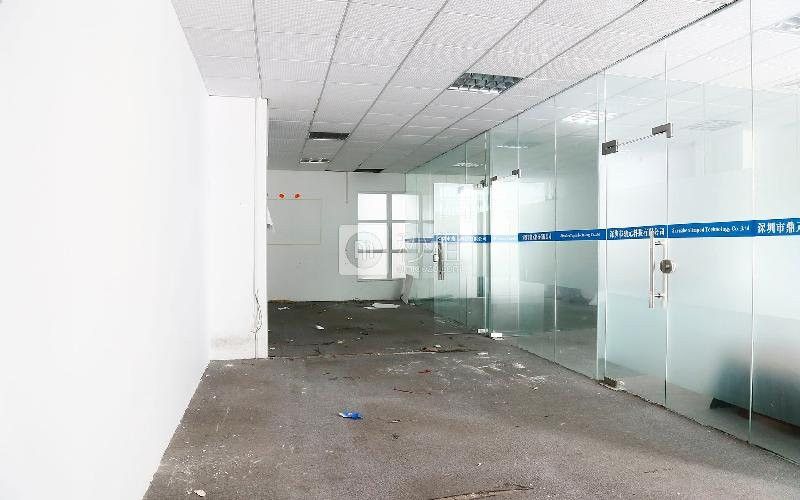 51大厦写字楼出租320平米简装办公室60元/m².月