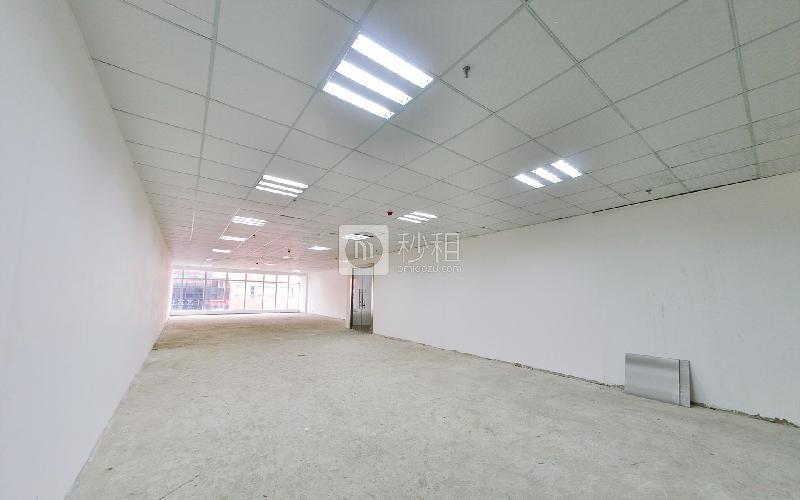 皇城广场写字楼出租191平米毛坯办公室82元/m².月