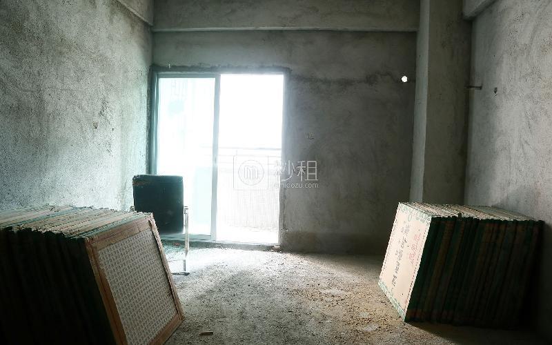 财润国际公寓写字楼出租218平米毛坯办公室70元/m².月