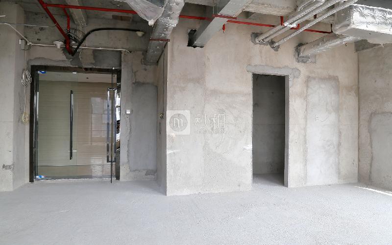 财润国际大厦写字楼出租200平米毛坯办公室110元/m².月