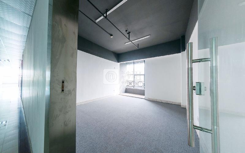 鹏翔大厦写字楼出租150平米简装办公室38元/m².月