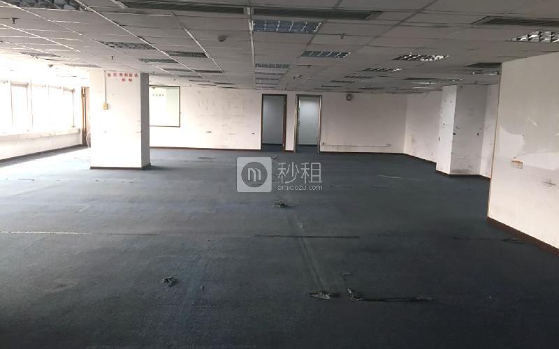 国际银行中心写字楼出租455平米简装办公室95元/m².月