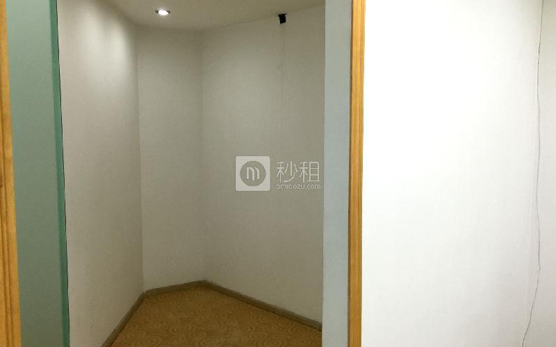 城建大厦写字楼出租230平米精装办公室135元/m².月