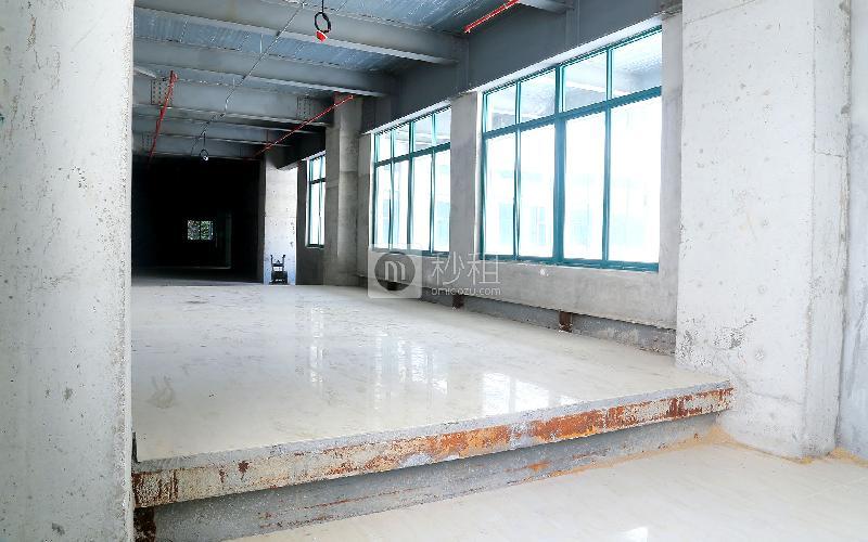 吉盛楼写字楼出租2000平米毛坯办公室60元/m².月