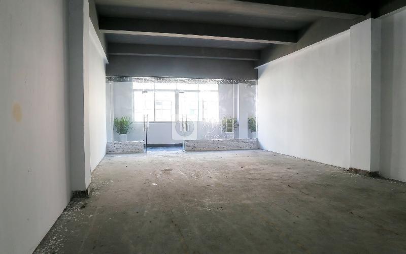 宝山创意园写字楼出租170平米毛坯办公室55元/m².月