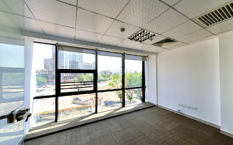 市政大厦写字楼出租135平米豪装办公室110元/m².月