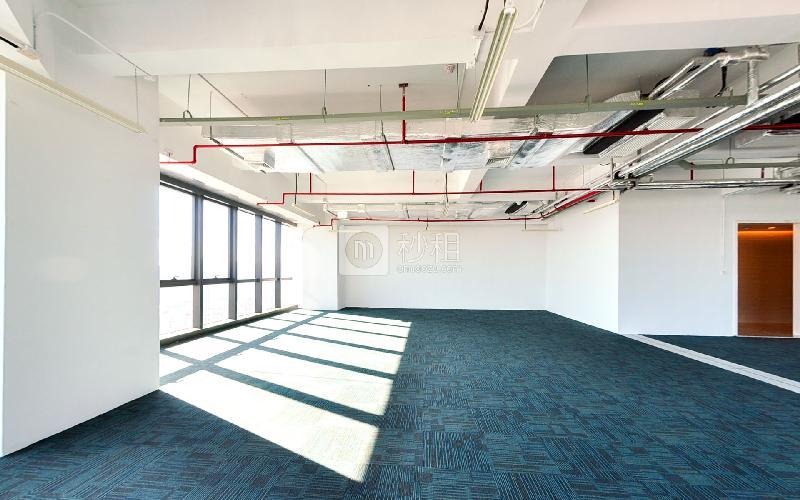 长富金茂大厦写字楼出租119平米精装办公室180元/m².月
