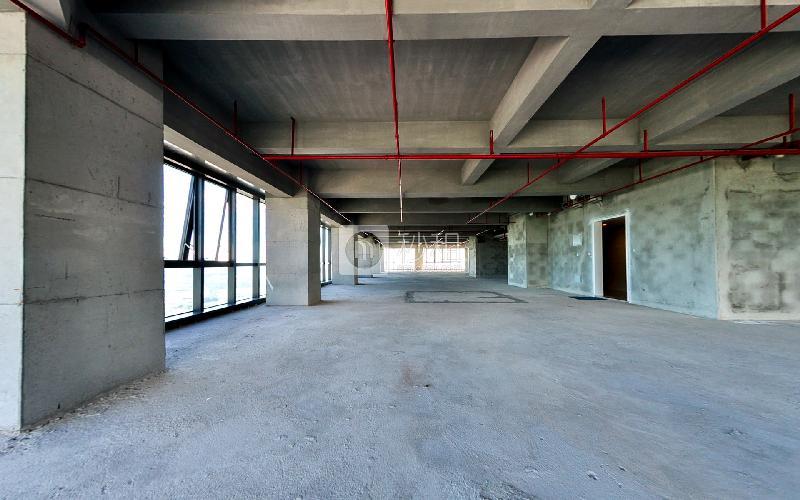 长富金茂大厦写字楼出租800平米毛坯办公室160元/m².月