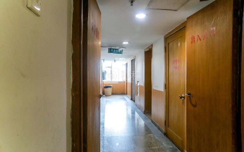 国信大厦写字楼出租475平米简装办公室60元/m².月