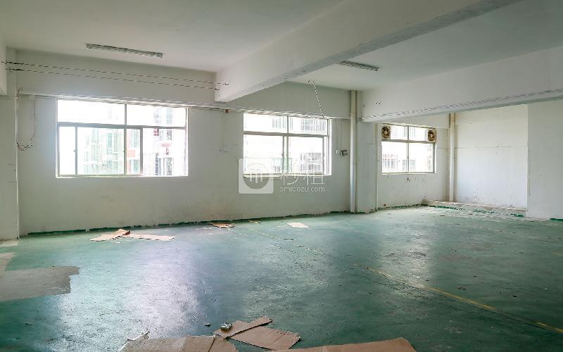 中泰科技园写字楼出租420平米简装办公室28元/m².月