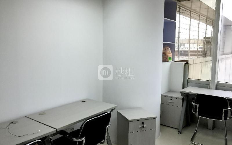 中华国际中心-创富港写字楼出租11平米简装办公室3280元/间.月