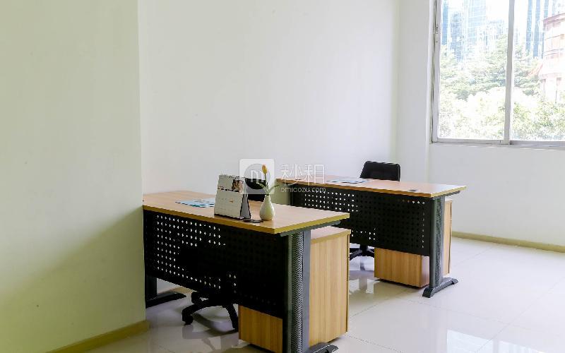 东方广场-麦格斯商务中心写字楼出租15平米豪装办公室3380元/间.月