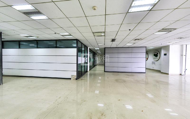 福田国际电子商务产业园写字楼出租567平米豪装办公室130元/m².月