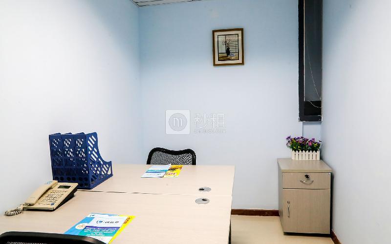 百货广场-创富港写字楼出租10平米精装办公室1980元/间.月
