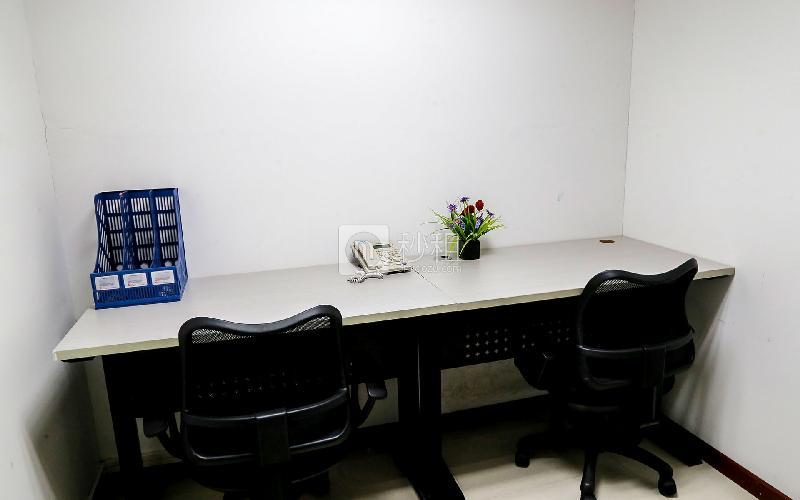 百货广场-创富港写字楼出租8平米精装办公室1680元/间.月