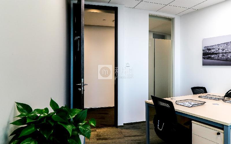 地王大厦-雷格斯商务中心写字楼出租24平米豪装办公室9800元/间.月