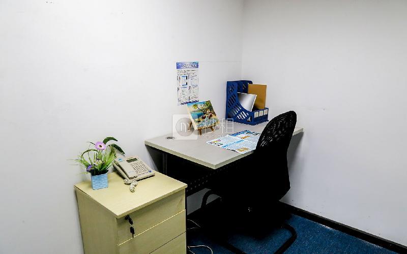 华佳广场-创富港写字楼出租5平米精装办公室1050元/间.月