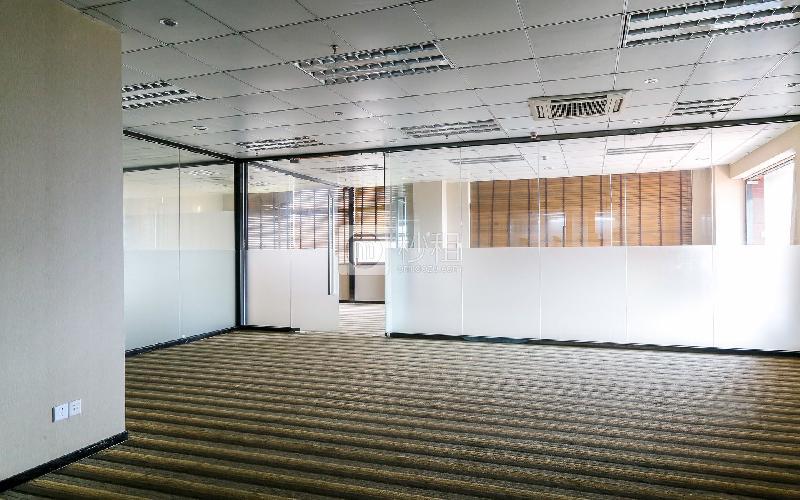 海外装饰大厦写字楼出租553平米精装办公室125元/m².月