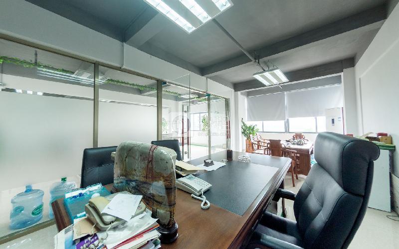 富奇创意大厦写字楼出租480平米简装办公室55元/m².月